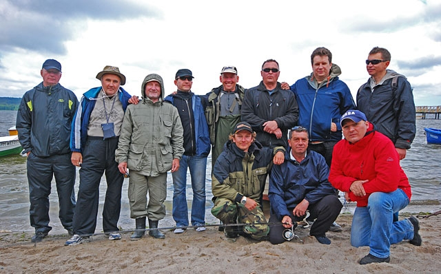 ekipa-w-komplecie-01.jpg