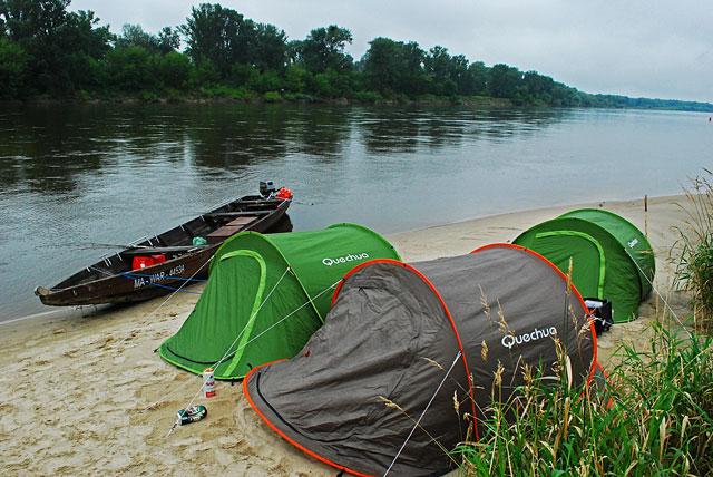 www.przewodnicywedkarscy.pl obóz na wyspie
