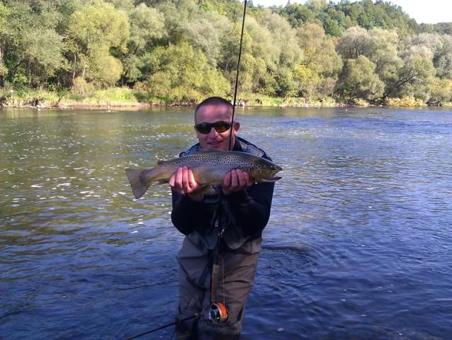 Fly Fishing - Wyprawy z przewodnikiem - www.przewodnicywedkarscy.pl - Pstrąg