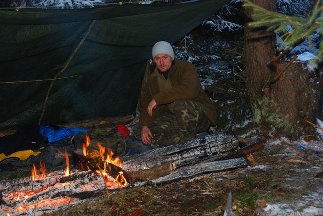 Zimowy survival nad rzeką