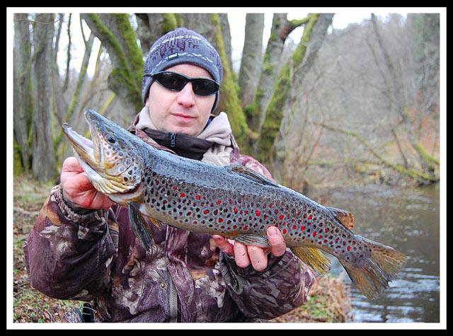 Sebastian Kalkowski - Warsztaty pstrągowe Łupawa 2010 - www.przewodnicywedkarscy.pl - Wyprawy na ryby