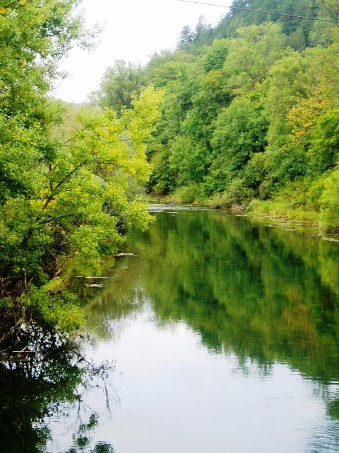 Rzeka Unec - Słowenia - www.przewodnicywedkarscy.pl - Wyprawy na pstrągi