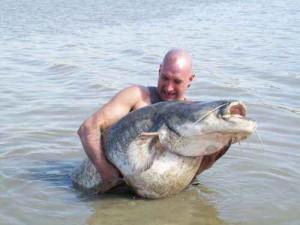 Tom Grabitz - Rzeka Ebro - www.przewodnicywedkarscy.pl - Wyprawy na suma