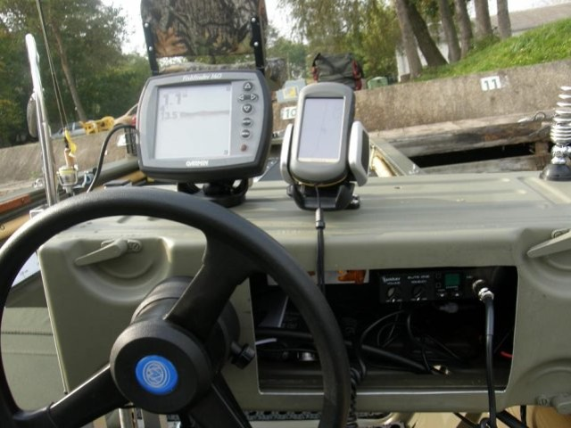 Szkiery Św. Anny - elektronika na łodzi - www.przewodnicywedkarscy.pl - Wyprawy wędkarskie
