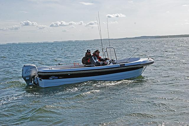 Druga łódź - www.przewodnicywedkarscy.pl - Wyprawy wędkarskie