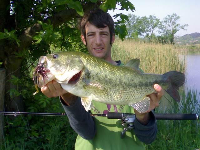 Matteo Zanato przewodnik - Bass czarny - Włochy - www.przewodnicywedkarsy.pl - Wyprawy wędkarskie