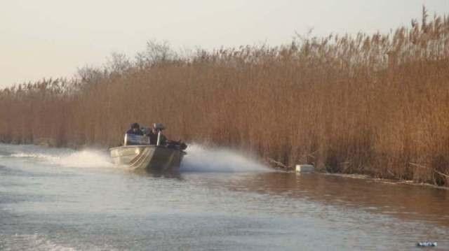 Płyniemy na bassy - Włochy - www.przewodnicywedkarsy.pl - Wyprawy wędkarskie