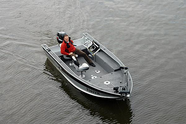 Wyprawy wędkarskie do Holandii - www.przewodnicywedkarscy.pl - łódź do dyspozycji Klientów