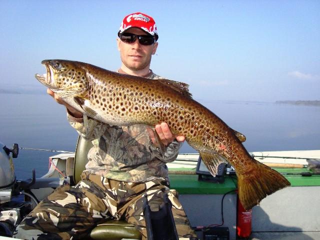 Kolejny Ferox naszego przewodnika - Irlandia - www.przewodnicywedkarscy.pl - Wyprawy na ryby