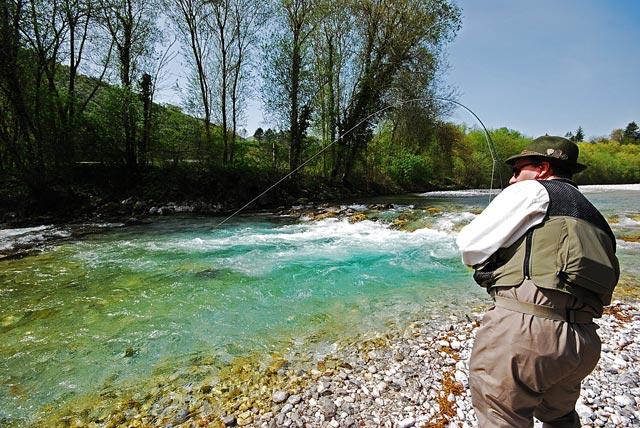Zaciekły hol - Słowenia - Łowienie na muchę - www.przewodnicywedkarscy.pl - Wyprawy wędkarskie