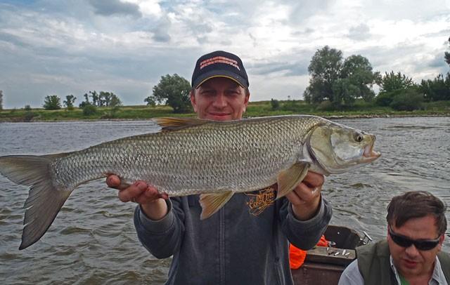 Sebastian z największą rybą wyprawy - Impreza integracyjna - Wisła - www.przewodnicywedkarscy.pl