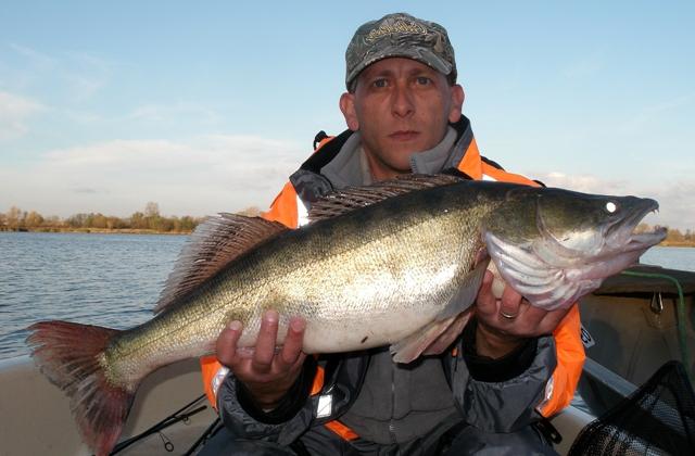 Wyprawy na ryby z przewodnikiem - www.przewodnicywedkarscy.pl - Jezioro Orawskie - Orava